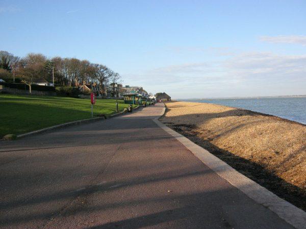 Cowes Coastal Walk
